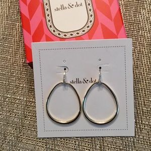 💕 Stella & Dot Goddess Teardrop Earrings